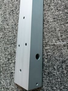6061t6 Anodised Silver Aluminum L Shaped Angle Profile with CNC pictures & photos