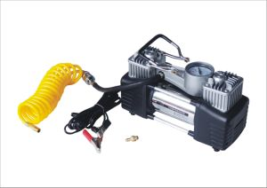 Ce Approved Portable DC 12V Mini Air Compressor pictures & photos