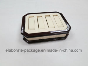 Four PCS Wooden and Leather Fashion Watch Bangle Tray pictures & photos