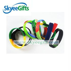 2017 1/2 Inch Silicone Bracelet with SGS pictures & photos