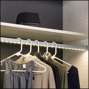 Split LED Rail with Built-in Motion Sesnor Switch for Wardrobe pictures & photos