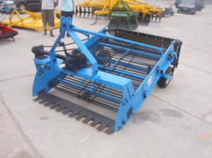 4u-2-850 Mini Tractor Potato Harvester pictures & photos