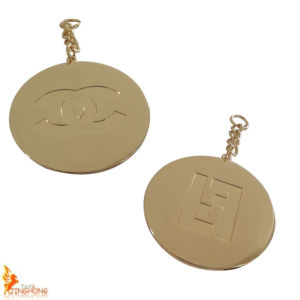 2015 Hot Sale Modern Round Metal Plate with Chain pictures & photos