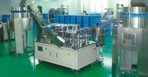 Automatic Assembly Machine for Disposable Syringes (DM-08) pictures & photos