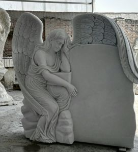 Custom Granite/Marble Affordable Memorial Baby Angle Monuments Headstones for Graves pictures & photos