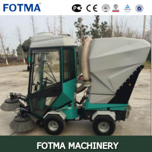 Multi-Function Diesel Four Wheel Cabin Vacuum Road Sweeping Equipment pictures & photos