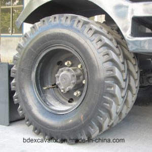 Construction Machine Small Wheel Excavator with ISO9001 Certificate pictures & photos