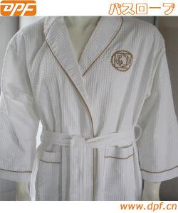 100% Cotton Terry Luxury Bathrobe for Hotel (DPFMIC17) pictures & photos