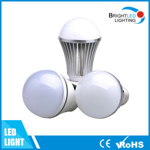 Shanghai Factory 500lm 5W SMD2835 White LED Bulb pictures & photos