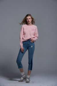 Ladies Knitted Sweater Acrylic Fashion Autumn Spring Women Comfortable Cloth Logo pictures & photos