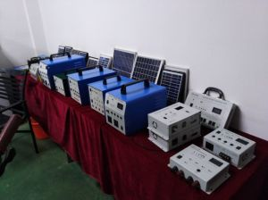 Power Solution 10W Solar Power System for Lighting Area pictures & photos