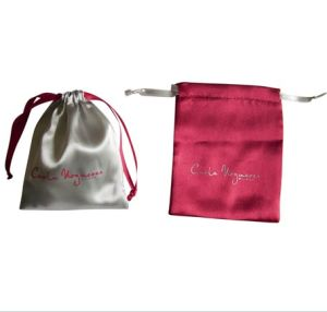 Custom Logo and Size Satin Pouch pictures & photos