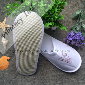Fashion New Design Terry Towel Cloth Disposable Hotel Slippers pictures & photos