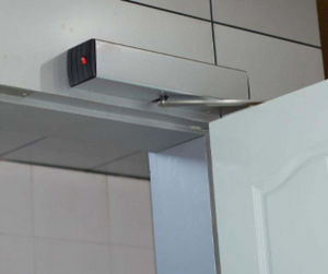 Fingerprin Controlled Full Automatic Door Opener pictures & photos