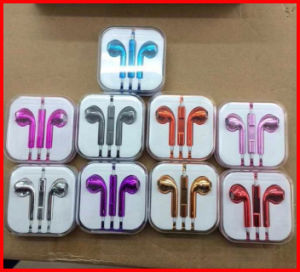 Colourful Good Quality for iPhone Earphone with Mic and Remote pictures & photos