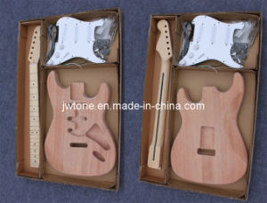 Mahogany Body Quality Popular St Electric Guitar pictures & photos