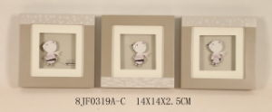 Wooden 3D Paper-Carved Bear Wall Art in Pinewood pictures & photos