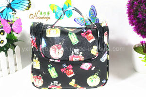 2016 Lady Promotional Cosmetics Makeup Hanging Fashion PU Toiletry Bag pictures & photos