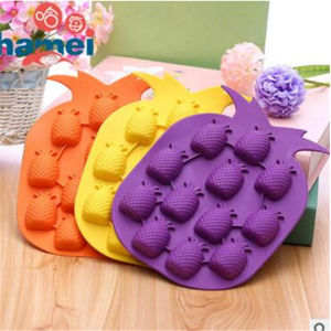 Manufacture Wholesale Low Price Lates Silicone Ice Cube Ttray pictures & photos