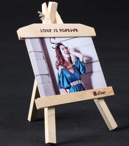 Strong Wood Stand for Oil Painting pictures & photos