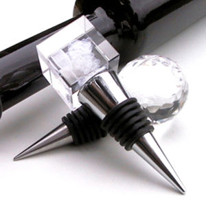 Wedding Souvenir Engraved Fashionable Glass Crystal Wine Bottle Stopper pictures & photos