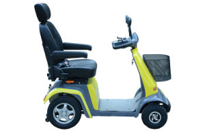 2015 Four Wheel Electric Mobility Scooters with Ce Certificate pictures & photos