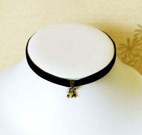 Black Velvet with Fashion Pendant Suede Choker (XJW13676) pictures & photos