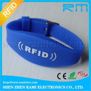125kHz/13.56MHz RFID Silicone Wristband Waterproof for Events/Activities pictures & photos
