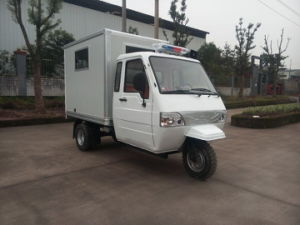 Closed Box of Chinese Three Wheel Ambulance pictures & photos