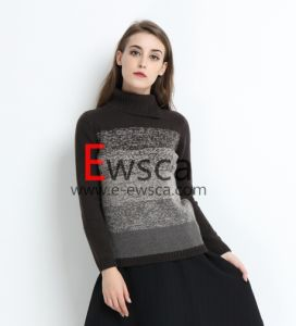 Ladies Fashion Design Long Sleeves Knitted Sweater pictures & photos