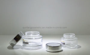 The Glass Cosmetic Bottle Use for The Beauty Hospital Qf-084 pictures & photos