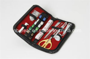 Folding Sewing Kit for Daily Use or Travel/Professional Mini Sewing Kit pictures & photos