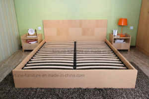 Bedroom Furniture/Modern Wooden UV Lacquered Double Bed (N1011-1.8) pictures & photos