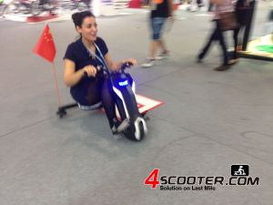 New Products 120W Motor Cheap 3 Wheel Light Weight Electric Scooter (E Scooter ES1212) pictures & photos