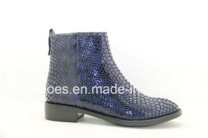 Updated Unique Designs Flat Leather Women′s Boots pictures & photos