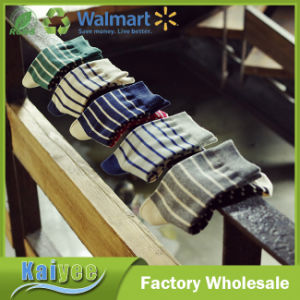 Anti-Pilling Multi Color Optional Long Men′s Striped Socks pictures & photos