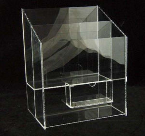 Clear Plexiglass Acrylic Display Cosmetic Cake Makeup Box pictures & photos