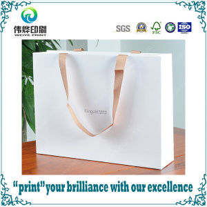 Custom Luxury Printing Packaging Paper Bag with Handle for Shopping pictures & photos