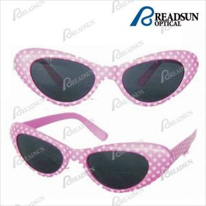 Cat Eye Honey Plastic Promotion Party Sunglasses (SD001) pictures & photos
