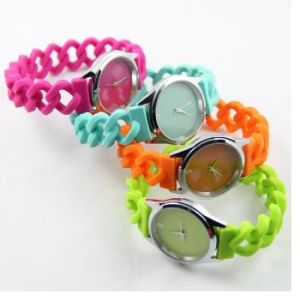 Waterproof Quartz Silicone Twist Watches for Kids & Adults pictures & photos