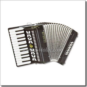 25 Key 16 Bass Piano Accordion (K2516) pictures & photos