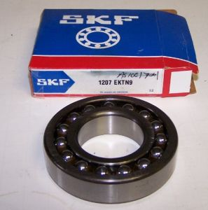 Single-Row Self-Aligning Ball Bearing SKF1207 pictures & photos