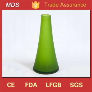 Gorgeous Wholesale Green Frosted Glass Vases for Flowers pictures & photos