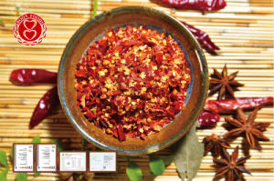 Crushed Chillis with Seeds pictures & photos