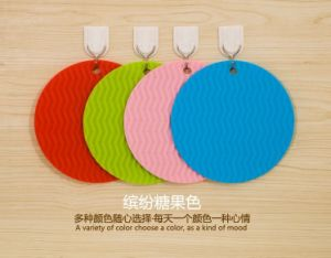 Fashion Colorful Silicone Coasters and Placemats for Kitchenware pictures & photos
