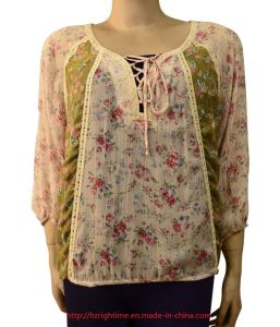 Women′s Woven Printed Silke Crinkled Blouse with Lace (RTB14075) pictures & photos