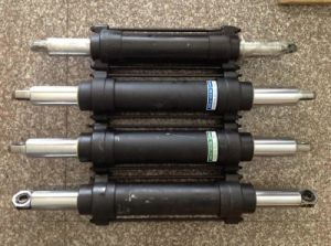 Lo2 Steering Cylinder for Forklift for Nissan pictures & photos