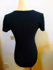 Women Fashion Garment Rib V-Neck Bodysuit Clothing pictures & photos