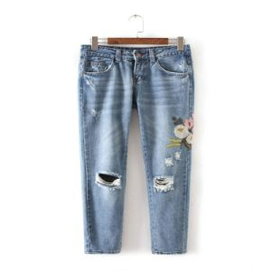 Women Ripped Embroidery Jeans Lady Blue Denim Jeans pictures & photos