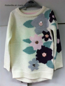 Girls Flower Intarsia - True Knitted Sweater pictures & photos